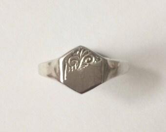 Vintage 1950's Sterling Silver Hexagon Ornate Pattern Signet Ring Size K