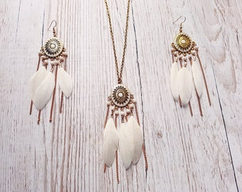 Parure necklace / earrings white feathers