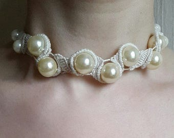 NECKLACE white MACRAME with pearls