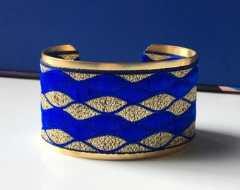 """Vague"" Golden Cuff Bracelet - ""blue gold"""