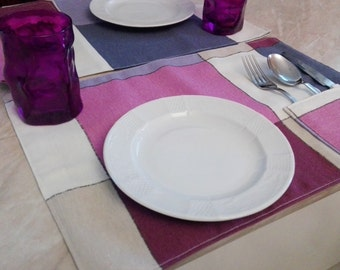 "Pair of American line ""geometry"" tablecloths with Pocket for cutlery and practical case to put them in place or take them with you"