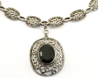 Vintage Onyx Marcasite Oval Pendant Necklace 925 Sterling Silver NC 852-E