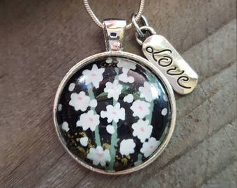 Green and White Flower Pendant Necklace - Flower Necklace - Love Charm - Gift for her