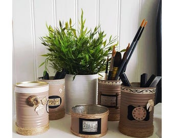 Pots to pencils, brushes or utensils