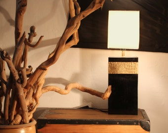 "Table lamp with crocodile pattern in black/brass ""Nauen"""