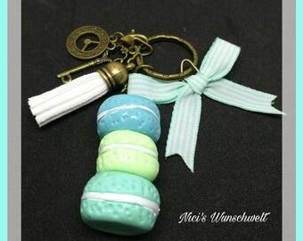 Key pendant Paris macaroon
