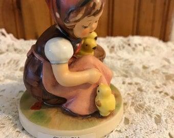 Chick Girl, Hummel Figurine, mold 57