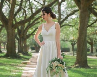 A Line Wedding Dresses, A Line Bridal Dresses, Bridal Dresses, A Line Wedding Dress Styles, A Line Satin Wedding Dresses. #D02B