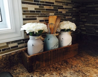 Decorative Mason Jar Centerpiece, pallet planter box, rustic decor, wooden planter box,  **Customizing colours available**