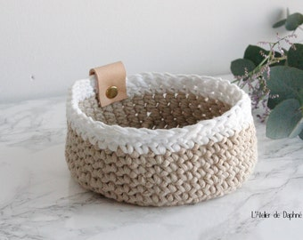 Crochet basket and leather, beige and white