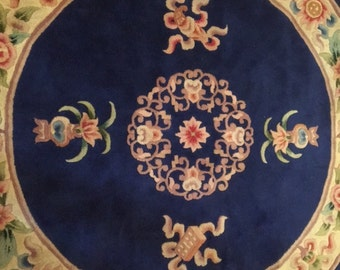 1980's  five-feet diameter ROUND woolen area rug