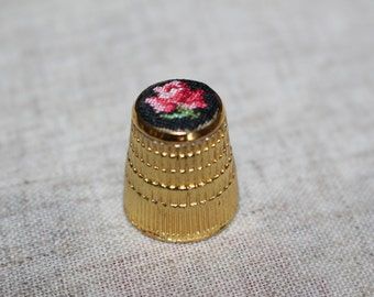 "Thimble with ebroidery ""Rose on black"""
