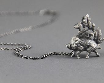 Wild boar with oak leaves necklace silver