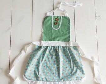 Children's Apron - Green Floral Apron - Vintage Style Apron - Girl's Apron
