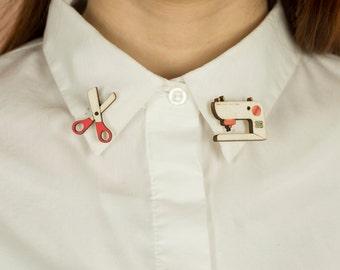 Wooden COLLAR PINS, lasercut: SEWING Machine and Scissors