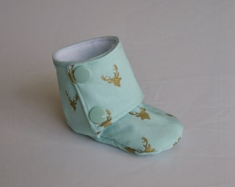 Baby Booties - Wild and Free - size 3-6 months - size 9-12 months - mint with gold stag heads - kids stay on booties - infant slippers