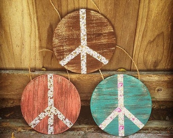 Peace and love wall decor