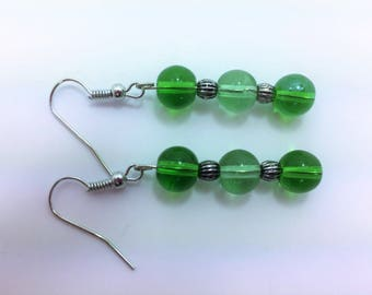 Green glass beads with silver spokes #16