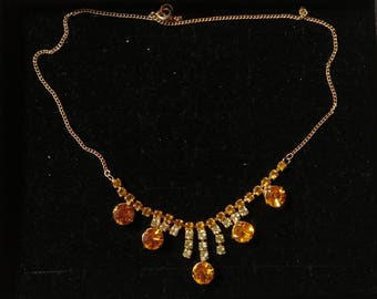 Beautiful Vintage Gold Tone & Amber Coloured Glistening Diamante Necklace.    Prom/Special Occasion
