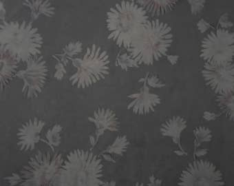 Grey Daisy Vintage wrapping paper