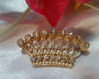 Vintage Rhinestone, Faux Pearl Gold Tone Crown Brooch/Pin
