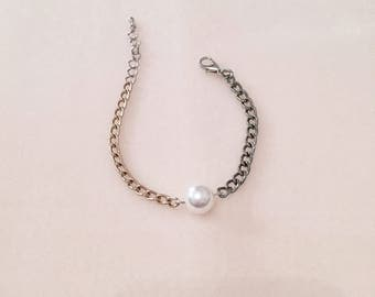 Unbalanced chain bracelet with Swarovski pear, Unique design, Handmade jewelry