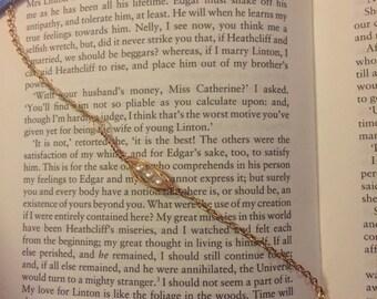 Peapod wire & chain bracelet