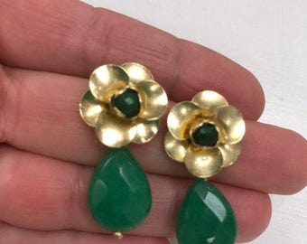 Gold and green faceted stone earrings