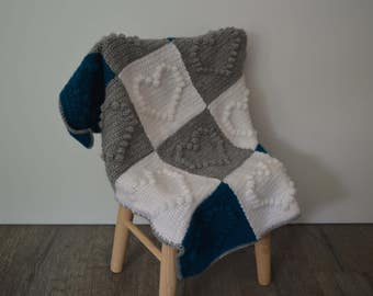 Crochet bobble stitch baby blanket, heart pattern