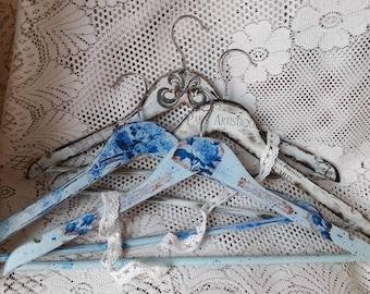 Hanger hand-decorated
