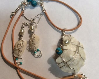 Beige cord shell necklace
