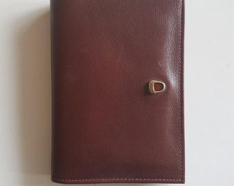 Brown Leather Bifold Tilley Wallet