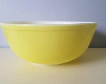 Pyrex Vintage mixing bowl #404