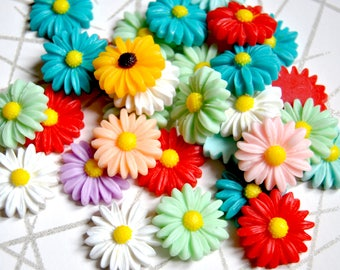 10 resin flower daisy cabochon, mixed colors - size 27mm - boho chic cabochon, daisy cabochon, resin flower