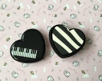 Heart piano vintage gum