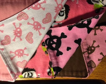Burp cloths - pink skulls 1