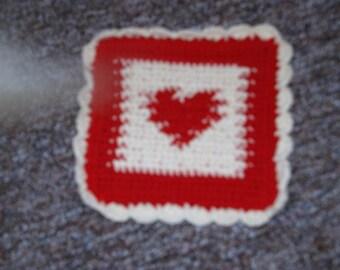 Hand crocheted heart Por holder