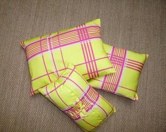 Cushion yellow Scots