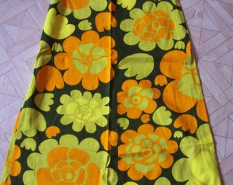 Vintage - Maxi dress dress - skirt - textiles with cheerful bright colors - 100 cm - length 70s