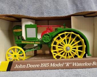 John Deere Waterloo Boy 1915 R Collector's Edition Tractor Ertl 1:16