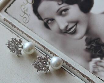 Bridal Pearl  Earrings , Vintage Style Crystal Pearl Earrings, Bridal Earrings,  Wedding Earrings,Flower Crystal  Earrings,  Stud Earrings