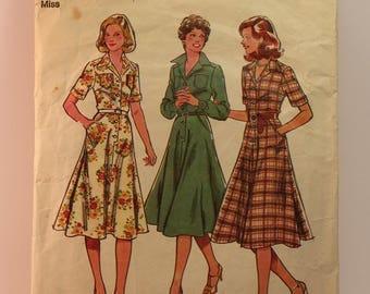 Vintage Sewing Pattern - Style Dress 2243 Size 12
