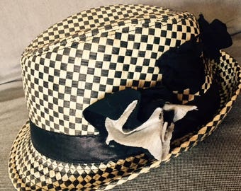 Beige & Black Retro Trilby