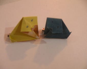 yellow and blue origami puppy pens