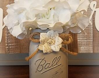 Handmade, distressed vintage flower vase (Gray)