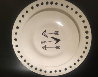 Arrow & Dots Decorative or can be used plate set