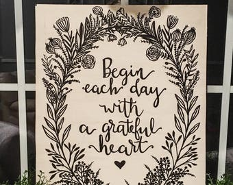 Grateful Heart Floral Wreath wood sign