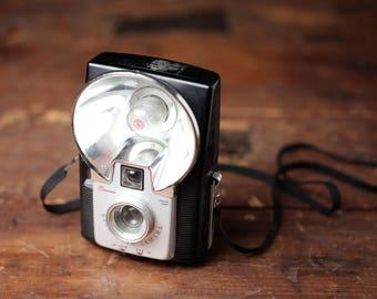 Vintage Camera // Brownie Starflash