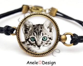 Gray white black cat kitten blue glass cabochon bracelet beads love