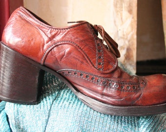 Rare vintage circa early 70s brown leather platform brogues, approx size UK 8